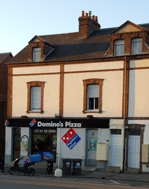 Yes, I live right above a Domino's and it smells delicious.